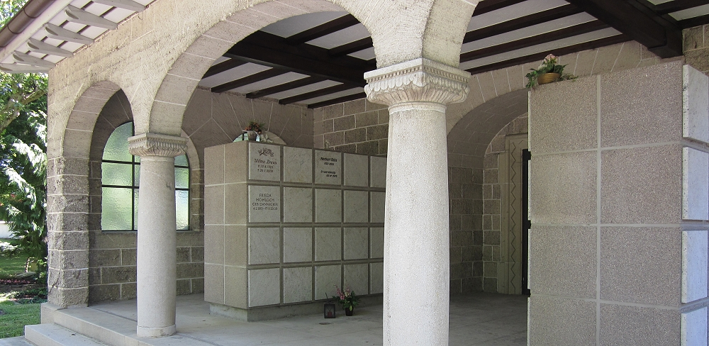 Urnennische / Kolumbarium auf dem Friedhof Betzingen