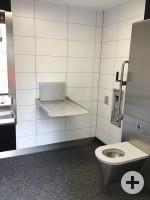 barrierefreie Toilette im Rosengarten Innenansicht